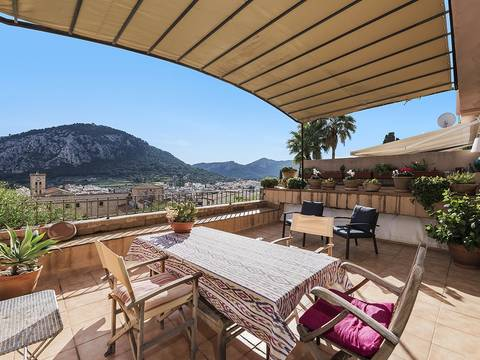 POL20119 Spacious town house with panoramic views just off the famous Calvari steps in Pollensa
