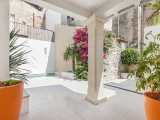 Delightful town house, recently renovated, with roof terrace and pool in the centre of Pollensa