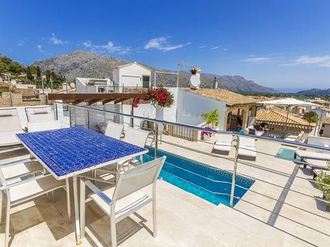 POL20169ETV Excellent six bedroom town house with great rental potential in the old town of Pollensa