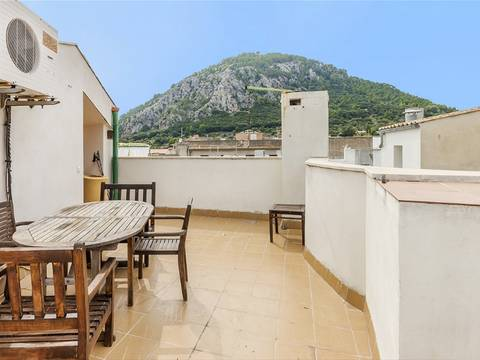 POL20173 Town house with roof terrace and fantastic views in the centre of Pollensa
