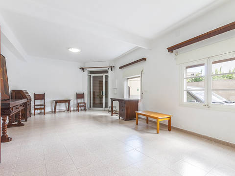 POL20174 Fantastically spacious 3 bedroom house in the historic old town of Pollensa