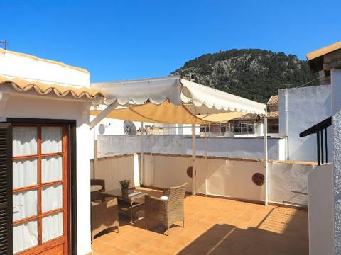 POL20179LTRENT Spacious town house with garage in walking distance to the main square in Pollensa