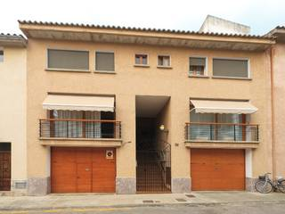 Spacious town house with garage in walking distance to the main square in Pollensa