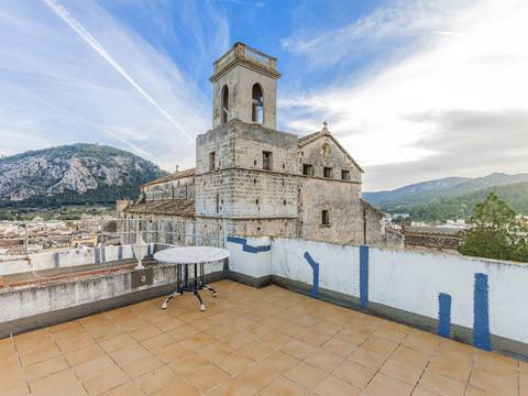 POL20194 Large town house with panoramic views ready to reform, situated in one of Pollensa's best areas