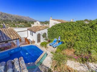 Charming three bedroom town house with plenty of potential in Pollensa