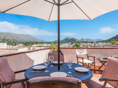 POL20225 Fantastic town house with a roof terrace offering magnificent views in Pollensa