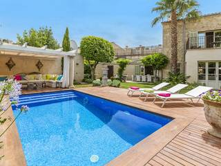Stunning town house with pool just a few minutes away from the main square in Pollensa