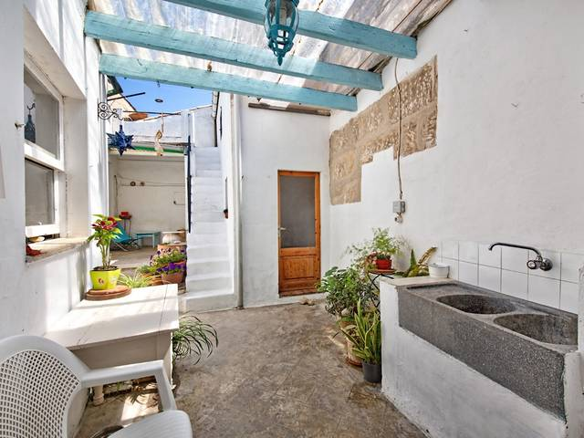 Amazing opportunity to purchase a Pollensa town house in a very central location
