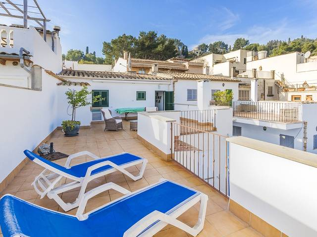 Unique 4 bedroom town house, close to the famous Calvari Steps in Pollensa