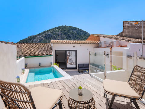 POL20264RM Beautifully renovated town house with roof top terrace and pool in the old town of Pollensa