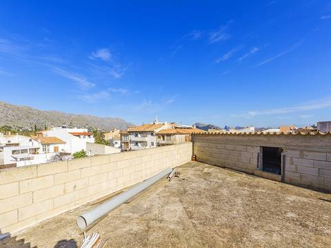POL20266 4 bedroom town house with commercial premises in Pollensa