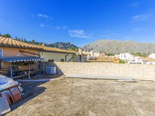 4 bedroom town house with commercial premises in Pollensa