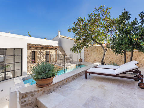 POL20302 First class town house with pool and roof terrace in the centre of Pollensa