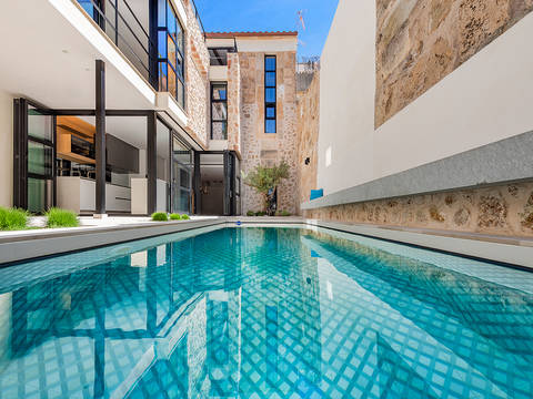 POL20303 Fantastic fully renovated town house in the centre of Pollensa old town