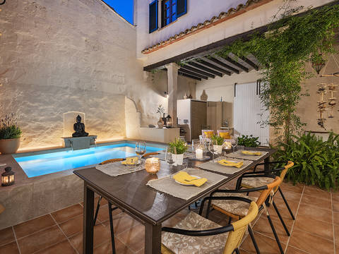 POL20387 Stately town house with pool in the historic centre of Pollensa