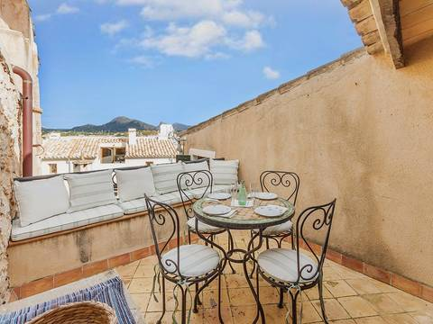 POL2163 Charming town house near the centre in Pollensa with lovely views to the port and mountains