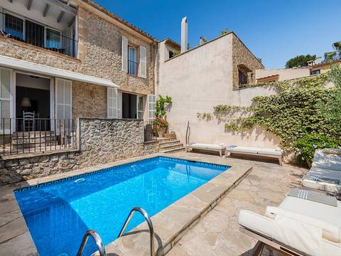 POL2782RM Elegant, stone-faced town house with pool and amazing views in an elevated area of Pollensa