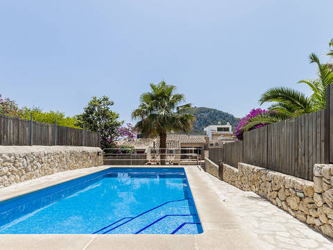 POL2988 Fantastic investment opportunity: Gorgeous town house with pool and rental license in Pollensa