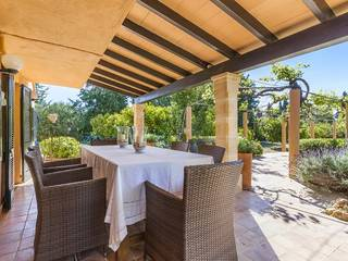 Three bedroom Mallorcan villa in a well connected location near Pollensa town