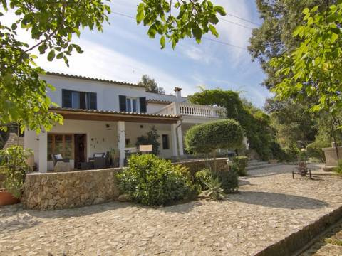 POL40423POL5 Mallorcan finca with rental license, within walking distance to the old town of Pollensa