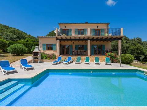 POL40455ETV Attractive 4 bedroom villa with holiday rental license near Pollensa