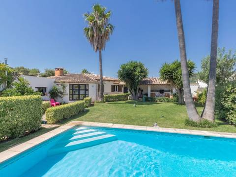 POL40527 Attractive semi-detached villa with beautiful garden, close to Pollensa