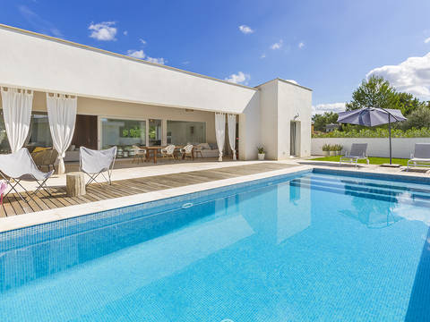 POL40571 Pristine 4 bedroom villa with garden and pool close to the golf course in Pollensa