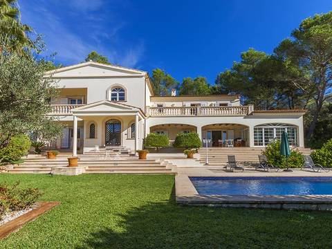 POL4912RM Outstanding luxury villa just a short drive away from the picturesque village Pollensa