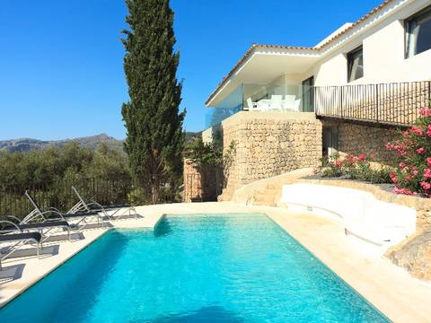 POL4VOP823 Modern villa in a hillside position offering panoramic views over Pollensa town and the bay