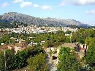 Country house ready to be reformed located on the outskirts of Pollensa offering delightful views