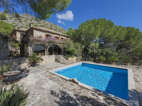 POL50008PTP5 Impressive sea view country estate tucked away en route between Pollensa and Puerto Pollensa