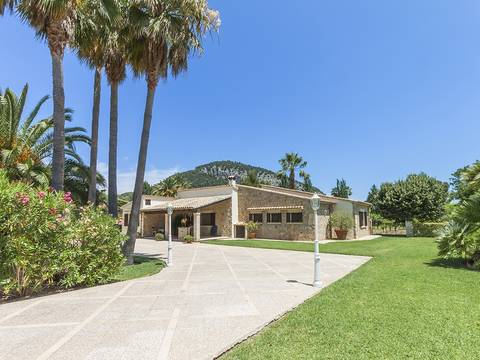 POL50012 Immaculate country property with pool located in a lovely valley close to Pollensa town