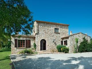 Country villa with mountain views and holiday rental license in Pollensa