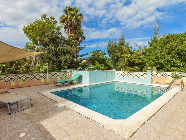 Charming country property with separate guest house in a quiet area near the bay of Pollensa