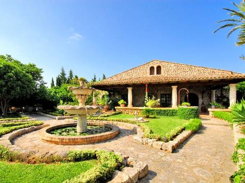 POL5052 Superb country house for sale with olive tree grove between Pollensa and the bay