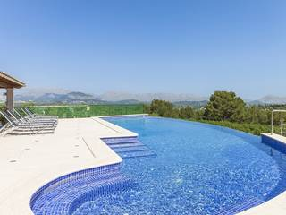 Exclusive country villa in an enviable location with indoor and outdoor pools near Alcúdia