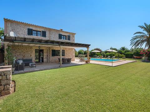 POL52418RM Beautiful country home with pool, conveniently located between Pollensa and Alcudia