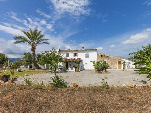 POL52420 Rustic finca with a large plot and a high level of privacy in Pollensa