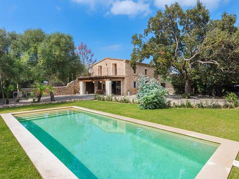 POL52455POL4 Renovated Mallorcan villa just a few minutes drive from the town of Pollensa