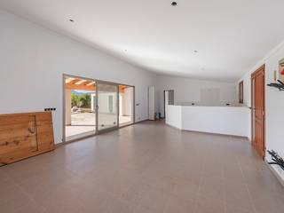 Opportunity to add personal touches to a countryside home near Pollensa