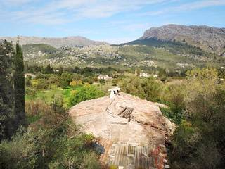 Mallorcan finca in need of renovation in the Vall d''en March, Pollensa