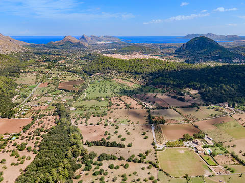 POL52580 Mallorcan finca on a massive plot to be restored close to Pollensa town