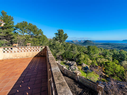 POL52613 Peaceful rustic finca on a huge plot with breathtaking sea views in Pollensa