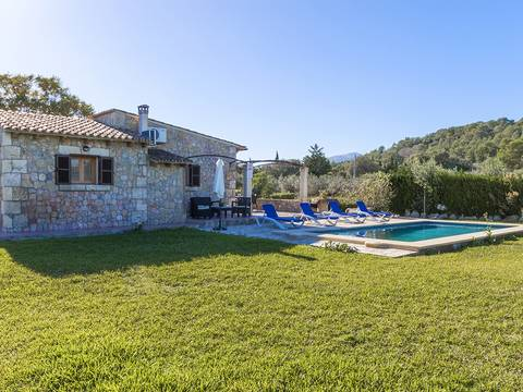 POL5330 Cute country home with natural stone fassade and holiday rental license near Pollensa