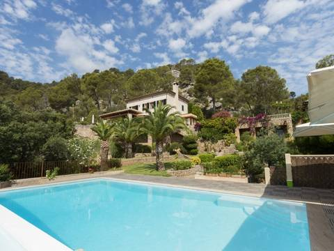 POL5432 Large country estate with beautiful gardens and 4 houses in a superb location, Pollensa