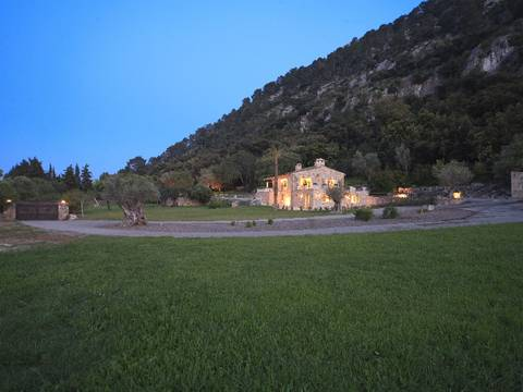 POL5484 Fascinating country villa with 2 separate guest cottages in walking distance to Pollensa