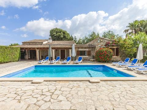 POL5527 Outstanding country villa with pool and holiday rental license close to Pollensa old town
