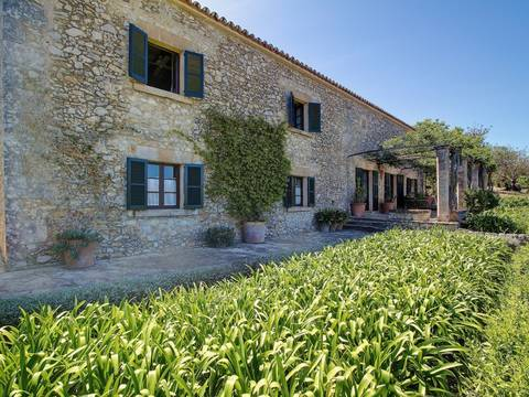 POL5553 Picturesque country retreat with finest views and absolute privacy near Pollensa