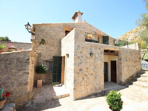 POL5563 Country house for sale in Pollença with panoramic views