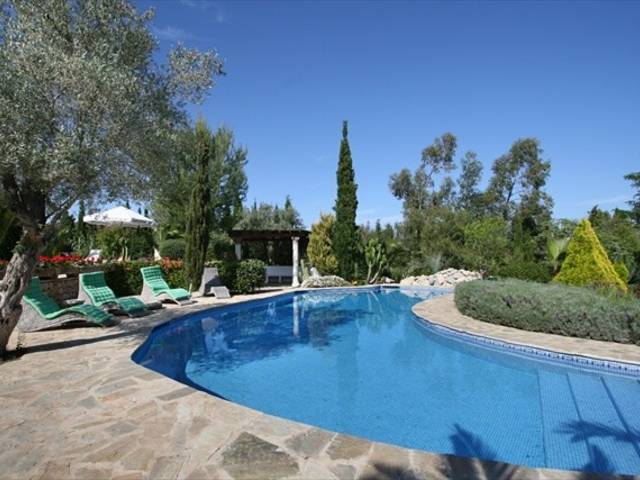 Superb finca with pool and large garden for sale, Pollença